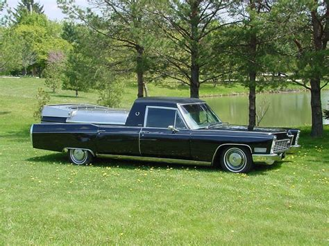 1967 Cadillac Miller-Meteor Embassy Flower Car - a photo