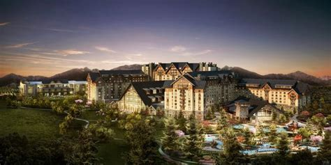 Gaylord Rockies Hotel in Aurora closes on $500 million