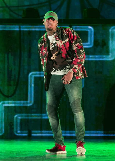 Chris Brown gossip, latest news, photos, and video