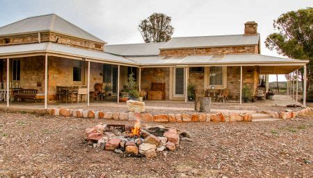 Where to Stay   Flinders Ranges Council